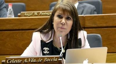 Después de lanzar calificativos poco felices contra EE.UU., Celeste Amarilla agradeció la vacuna