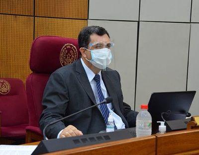 Paraguay solo envió prima de deuda a Covax, dice senador Amado Florentín