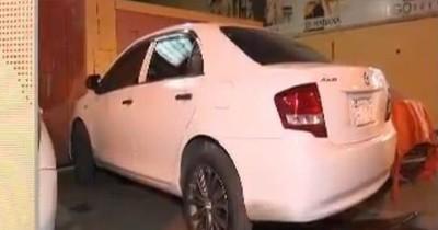 La Nación / Empleada robó G. 53 millones a modelo y compró un auto a su novio