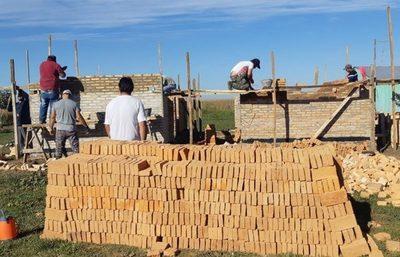 Ministerio reactiva la construcción de 42 viviendas sociales en Caazapá