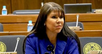 """La Nación / """"Bachi"""" critica a Amarilla por utilizar sus influencias para vacunarse en Miami"""
