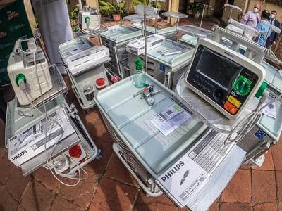 Salud adquiere equipos y medicamentos para atención de pacientes covid en terapia
