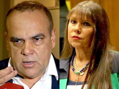 """Fuerte cruce entre """"Bachi"""" Núñez y Celeste Amarilla"""