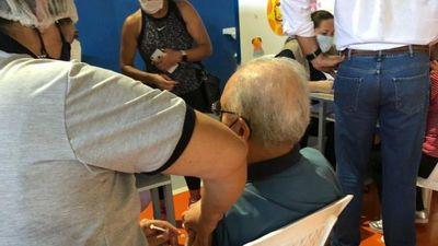 Salud resuelve destituir al director del Hospital de Franco