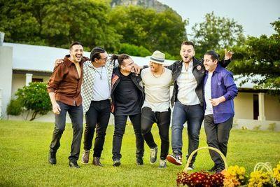 Latinos unidos por la música