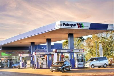 Petropar reajusta precio de sus combustibles, pero se mantiene para el sector de transporte