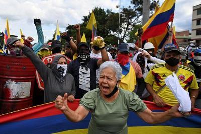 Un mes de vértigo para Colombia – Prensa 5