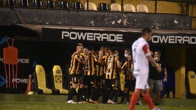 Guaraní vence a Cerro Porteño en despedida de Gustavo Costas