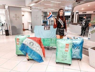 Crónica / Pelaron las maletas de ñande Miss cuando regresó al país