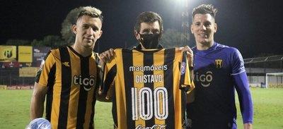 Costas: 'Agradezco a los jugadores por este regalo y al hincha, gracias de corazón'