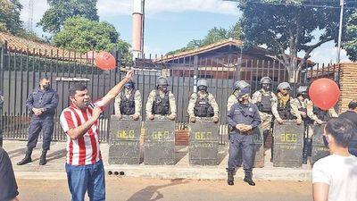 En Ñemby exigen  imputación contra el  intendente Lanzoni