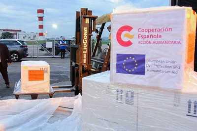 Arriban al país dos toneladas de medicamentos donados por España