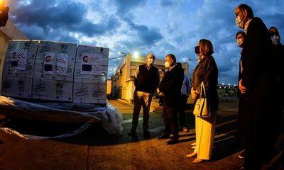 Donación de España: llegaron al país 800 kilos de medicamentos para tratar Covid-19