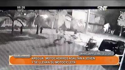 Desconocidos roban moto a joven trabajador en Areguá