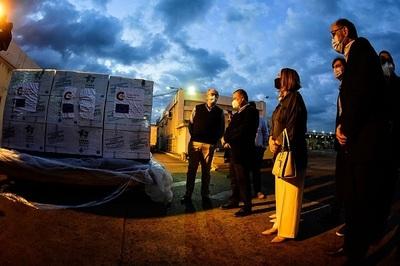 Llegan lotes de atracurio y midazolam donados por el gobierno español
