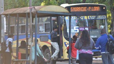 Transportistas se retiran de mesa técnica y Gobierno reafirma que no subirá el pasaje