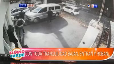 Personas armadas asaltaron tienda de celulares en Fernando de la Mora