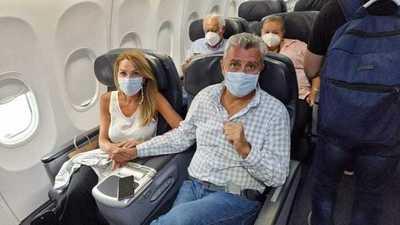 Corrupto sin paz: Villamayor regresa al país en 'primera clase' y es abucheado por pasajeros