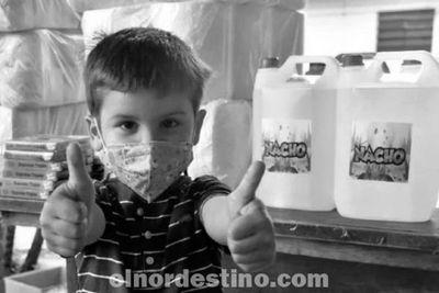 Criatura festeja sus cinco años donando artículos de limpieza necesarios en la lucha contra el Covid19 a un hospital público