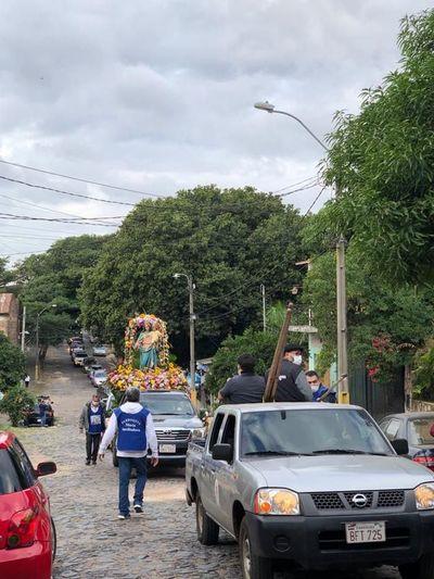 Costanera de Asunción: Policía quiso impedir procesión de María Auxiliadora por miedo a manifestaciones