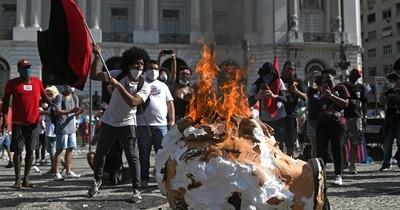 La Nación / Manifestaciones contra Bolsonaro
