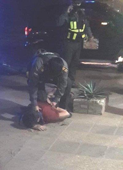 Denuncian procedimiento irregular y tortura por parte de agentes de la Caminera