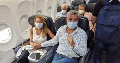 La Nación / La bienvenida a Villamayor: ¡Fuera rata, ladrón de mierda! así lo escracharon en su vuelo