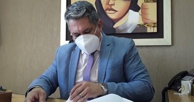 La Nación / Empo: juez sobresee a exjefa de contratos de la Municipalidad de Asunción