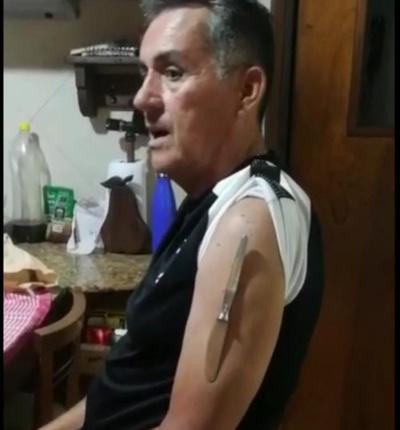"""Crónica / EFECTO """"MAGNETO"""" Tras la vacuna ¡se convirtió en imán!"""