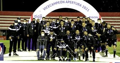 La Nación / Olimpia es subcampeón