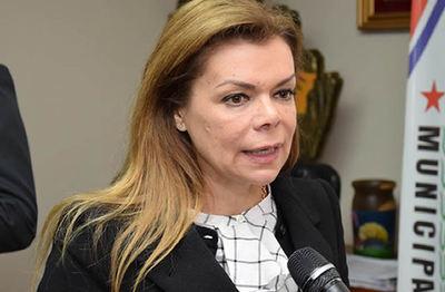 McLeod amenaza con denunciar a quienes pidieron procesarla