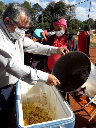 Una olla popular para unas 250 personas ofreció equipo de Hernandarias Honesta