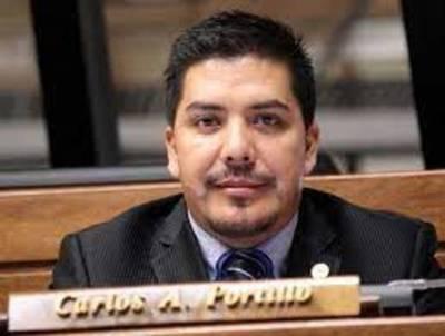 """Caminando voy a volver a ser diputado y trotando voy a ser senador"", dice Portillo"