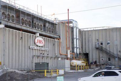 JBS sufre ataque informático que paraliza su producción en Australia, EE.UU. y Canadá