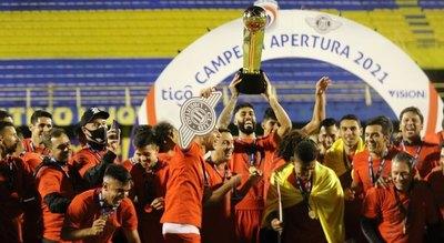 El presidente de la FIFA felicitó a Libertad por el título 21 de su historia