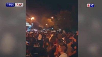 Reportan aglomeración en calles peatonales de Ciudad del Este