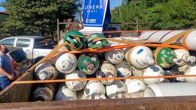 Athena Foods dona balones de oxígeno al Hospital Regional de Concepción