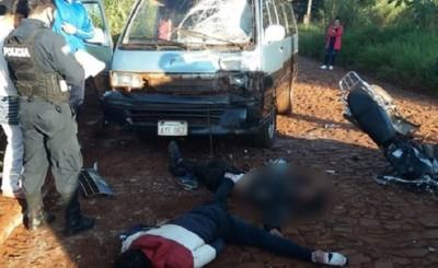 Un muerto y otro con múltiples fracturas en accidente motociclístico