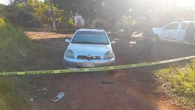 Abandonan vehículo que fue hurtado