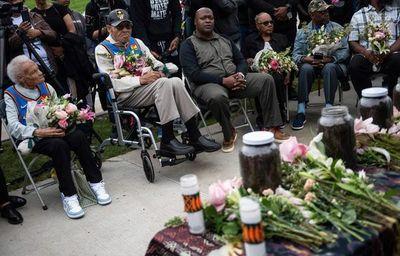 Biden pide acabar con racismo sistémico con motivo de centenario de masacre