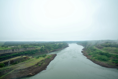 """Itaipú concluyó operación """"ventana de agua"""", para facilitar navegación por el río Paraná"""