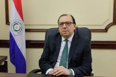 Renunció el presidente del BNF por cuestiones de salud