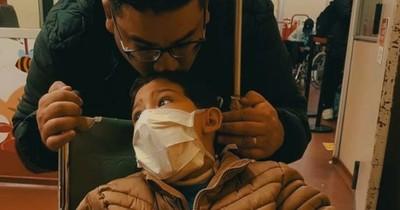 La Nación / Manuelito perdió a su padre por COVID-19 y ahora necesita ayuda para viajar por su tratamiento