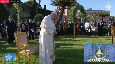 Papa reza con el mundo y pide a la Virgen fin de la pandemia