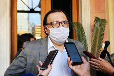 Carlos Florentín presentó su renuncia al cargo de presidente del BNF