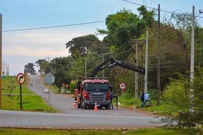 Instalan en tramo de dos kilómetros alumbrados públicos en Yguazú