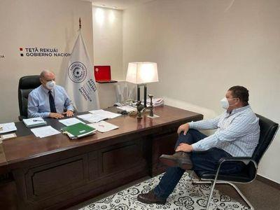 Asistencia en camino: La secretaria de Emergencia Nacional asiste a familias afectadas por temporal en zona de Bado