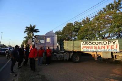 Camioneros exigen al Gobierno que se cumpla con los acuerdos y se movilizan en diversos puntos del país