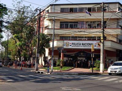 Aglomeración en Identificaciones: Policía sugiere habilitación de Gobierno para extender horario de atención