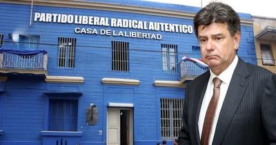 La Nación / Acusan y piden juicio oral para Efraín Alegre por falsificar facturas